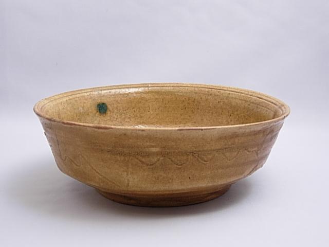 黄瀬戸ドラ鉢(大萱窯下窯)